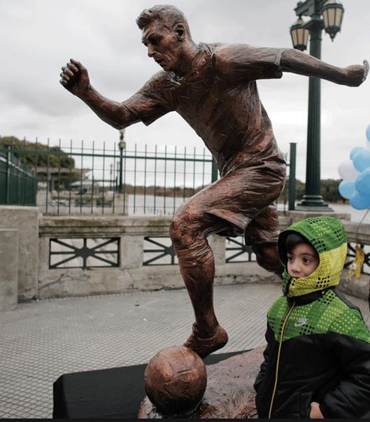 Lionel Messi Statue 2